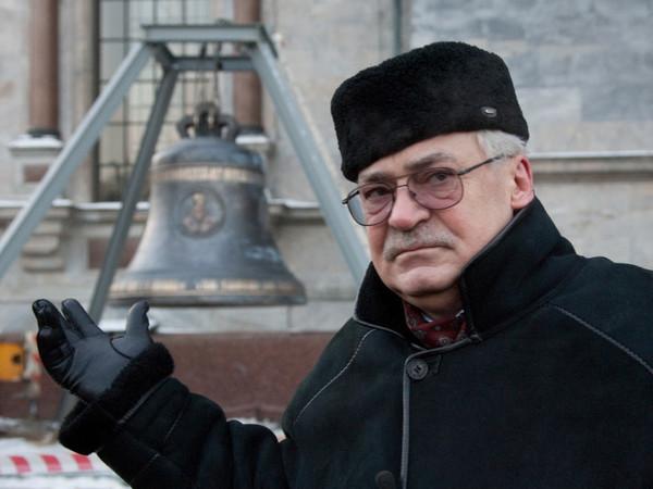 Николай Буров: С цветами или без мы патриарха с юбилеем поздравим
