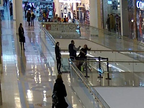 В «Европолисе» силовое прикрытие воров нокаутировало продавщицу
