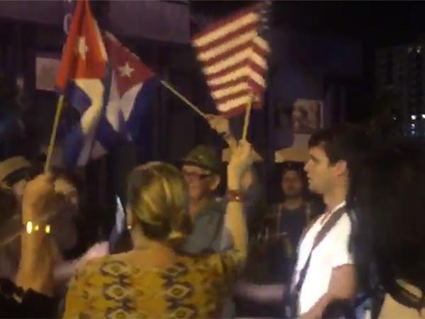 Кубинская диаспора в США устроила празднование в связи со смертью Кастро
