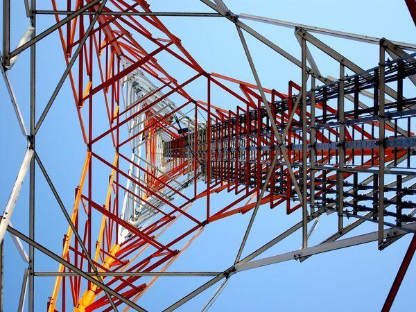 Tele2 и Ericsson первыми в России протестировали агрегацию несущих двух базовых станций в разных диапазонах