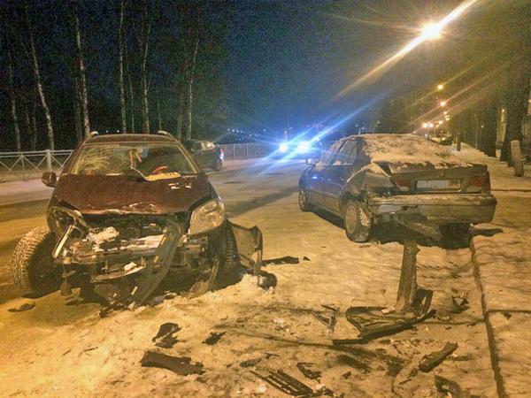 В Колпино один водитель разбил пять машин