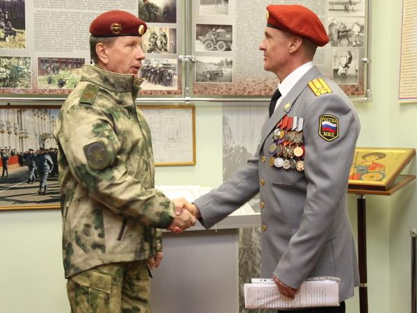 Главком Росгвардии Золотов заехал в Петербурге к СОБРу