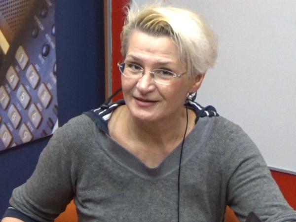 """[Фонтанка.Офис]: клоунесса """"Лицедеев"""" Анна Орлова - о чем нельзя шутить"""