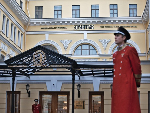 Гостиницу Эрмитажа может арестовать Азербайджан