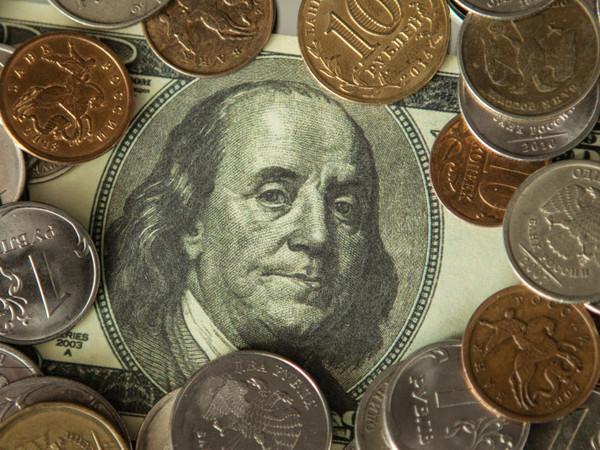 Лушников: В какую валюту вкладывать остатки сбережений