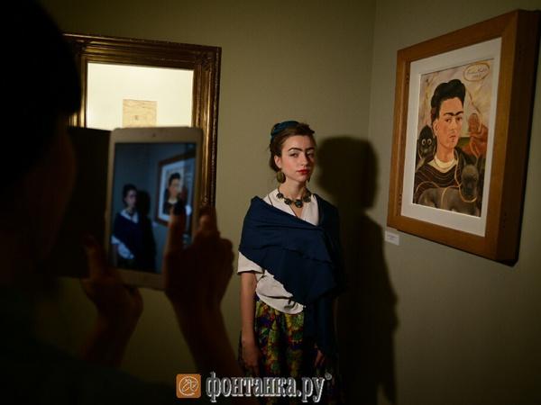 В Музее Фаберже открылась выставка Фриды Кало