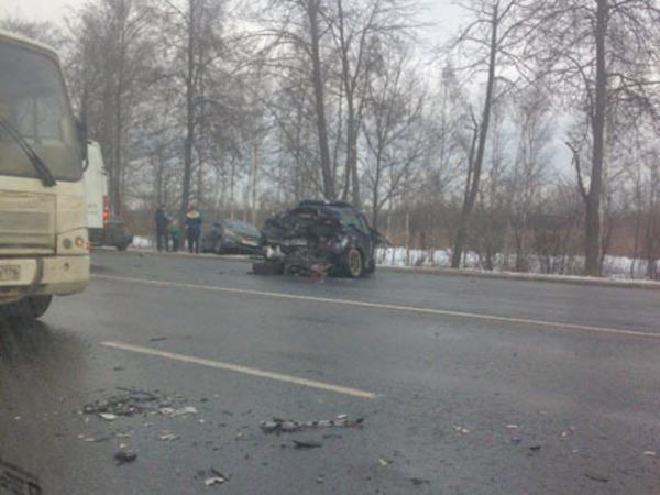 На Московском шоссе пробка из-за тяжёлого ДТП