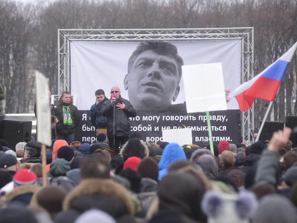 [Фонтанка.Офис]: Марш памяти Немцова в Петербурге  - о чем промолчали государственные телеканалы