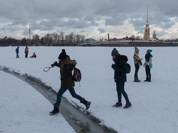 Петербуржцы проверяют теорию Дарвина на льду