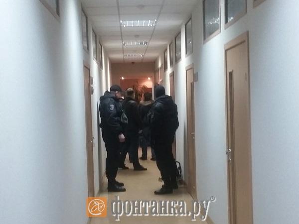 """В офисе ИК """"Энергокапитал"""" на Ефимова проходят обыски"""