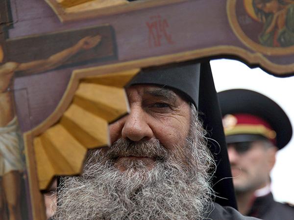 Как в Петербурге патриарха ругали