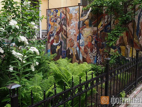 «Малая Академия искусств» открывает цветомузыкальный фонтан напротив Летнего сада