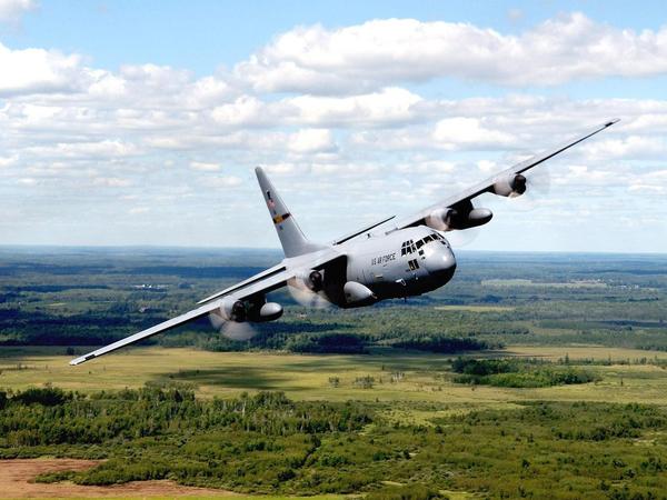Экипаж: Чем опасен сброс самолетного топлива