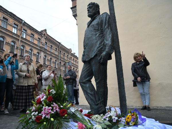 Элитные памятники санкт петербурга видео изготовление памятников липецк жуковский