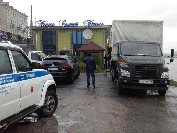 На проспекте Обуховской Обороны сносят кафе «Старый причал»