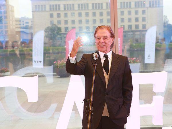 Рикардо Бофилл стал почетным гостем выставки «Наследие: инвестиции в искусство»