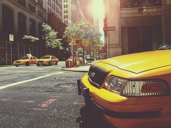 «Эталон ЛенСпецСМУ» запускает сервис «Такси в офис продаж»