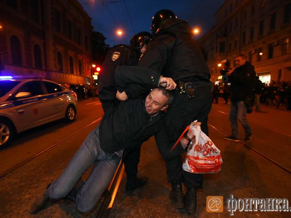 На акции сторонников Алексея Навального в Петербурге задержаны первые 30 человек