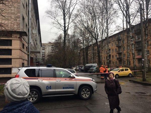 Жильцов дома на Тихорецком эвакуировали из-за звонка о бомбе