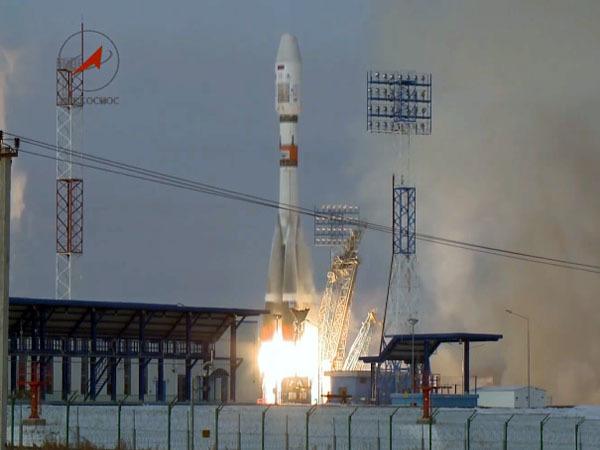 У пущенной с Восточного ракеты возникли неполадки, спутник не выходит на связь