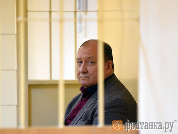 Обвиненный в получении взятки бывший замдиректора ФСИН не хочет в Кресты по состоянию здоровья