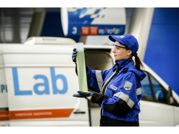 Топливо российских автомобилистов проверят бесплатно