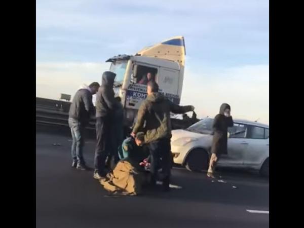 Крупная авария произошла на ЗСД, сообщается о пострадавших
