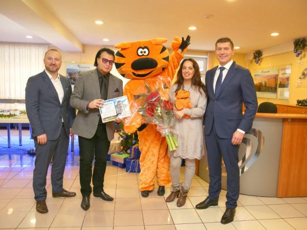 В Группе «Эталон» поздравили 9000-го покупателя с начала 2017 года