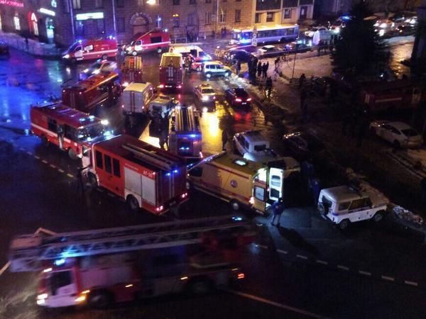 В «Перекрестке» на Кондратьевском произошел взрыв