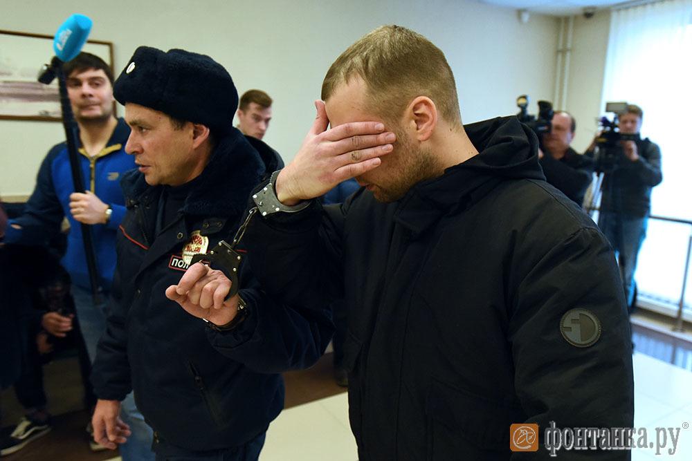 Саша из «Мерседеса» пьет витамины (Иллюстрация 3 из 4) (Фото: Сергей Николаев)