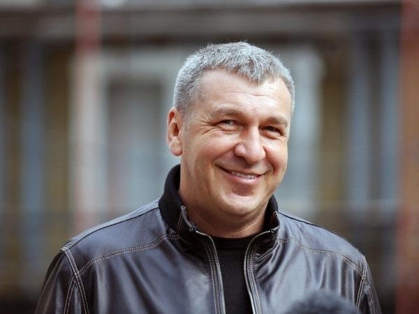 Игорь Албин: Стадион, жетон, Афон и личные амбиции