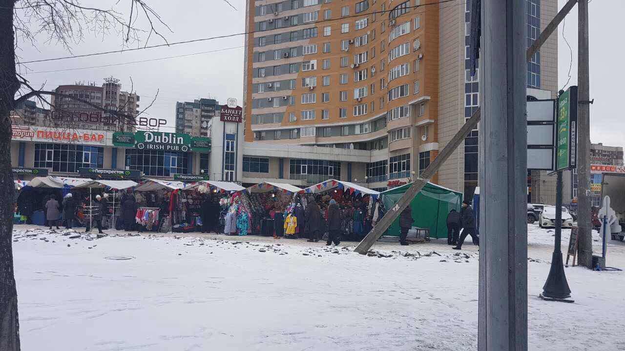 """Ярмарка у метро """"Проспект Большевиков"""""""