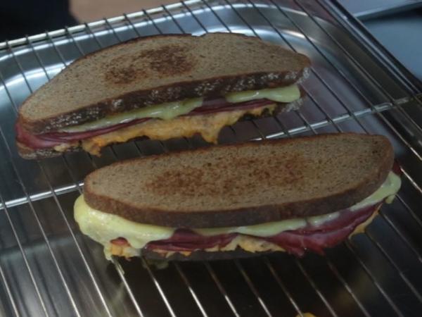 Убийца бутербродов — сэндвич с квашеной капустой