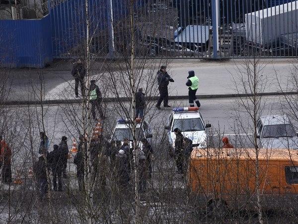 На Полюстровском искали бомбу в магазине автозапчастей