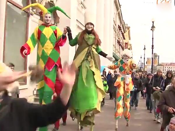 По Невскому прошелся «Смешной фестиваль»