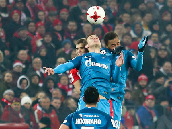 «Зенит» проигрывает в Москве «Спартаку» после первого тайма