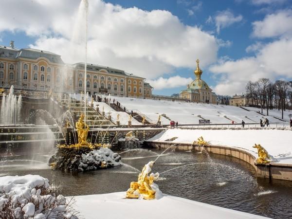 Зимой накрылись парки