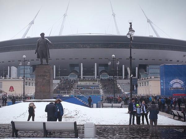 Ну вообще, или Первый футбол на «Санкт-Петербург-арене»