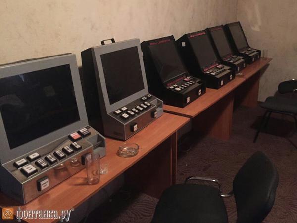 Полиция Московского района вломилась в казино-мутант