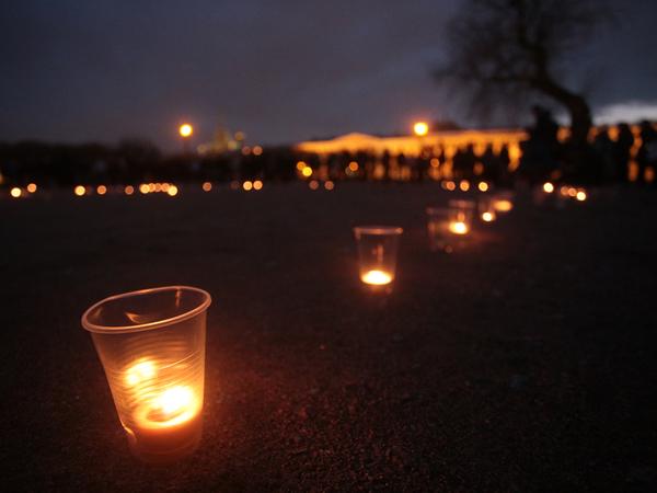 """""""14.40"""" -  на Марсовом поле почтили память жертв теракта в петербургском метро"""