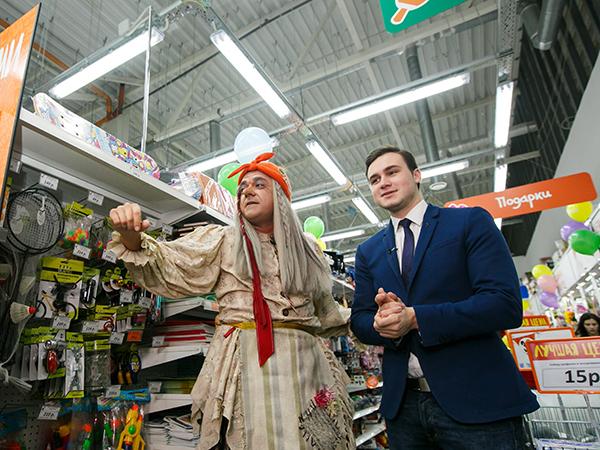 1500 человек пришло на открытие магазина «Галамарт» в ТРЦ РИО