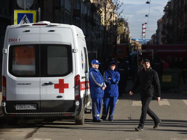 """После траурной акции на """"Техноложке"""" на скорой увезли двух человек"""