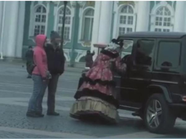 Автор ролика с «Гелендвагеном» на Дворцовой: Акция была согласована