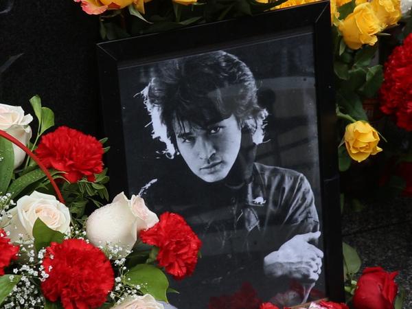 Смерть стоит того, чтобы ждать: в Петербурге вспомнили Цоя