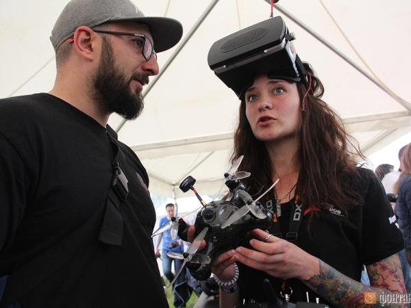 Geek Picnic: битвы «Тортика» с «Барракудой» и поезд на жидком азоте
