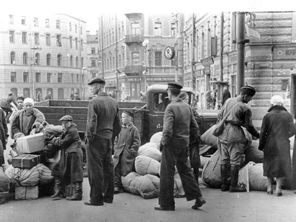 Почему ленинградцы не спешили покидать город летом 1941-го?