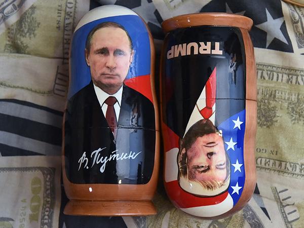 Трампа топят Путиным