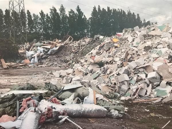 В Парголово обнаружена свалка на 12 тысяч кубометров мусора