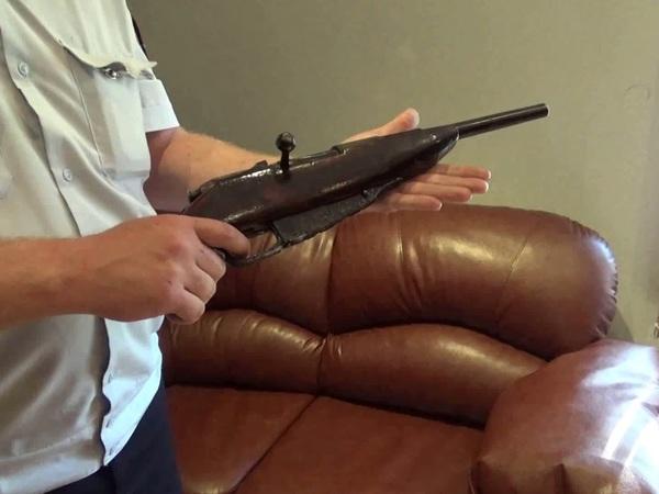 Петербуржец получил в наследство отчий дом, револьверы и шпагу