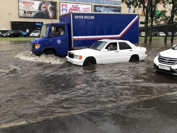 Бухарестскую затопило, машины не справляются